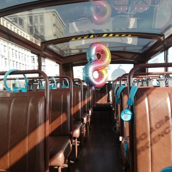 festa de anos aniversario 8 anos criança de autocarro com história